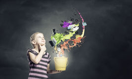 Ζωηρόχρωμη παιδική ηλικία! Στοκ εικόνα με δικαίωμα ελεύθερης χρήσης