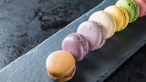 Ζωηρόχρωμη σειρά των γαλλικών macarons Στοκ εικόνες με δικαίωμα ελεύθερης χρήσης