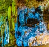 Ζωηρόχρωμη σπηλιά Στοκ εικόνα με δικαίωμα ελεύθερης χρήσης