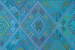 Ζωηρόχρωμη ταϊλανδική επιφάνεια κουβερτών ύφους μεταξιού handcraft περουβιανή στενή επάνω περισσότερο αυτό το μοτίβο & περισσότερ Στοκ φωτογραφία με δικαίωμα ελεύθερης χρήσης
