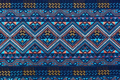Ζωηρόχρωμη ταϊλανδική επιφάνεια κουβερτών ύφους μεταξιού handcraft περουβιανή στενή επάνω περισσότερο αυτό το μοτίβο & περισσότερ Στοκ Εικόνες