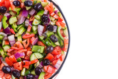 Ζωηρόχρωμη τουρκική σαλάτα ποιμένων σε ένα κύπελλο Στοκ Εικόνες
