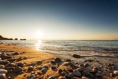 Ζωηρόχρωμη ωκεάνια ανατολή παραλιών Στοκ φωτογραφία με δικαίωμα ελεύθερης χρήσης