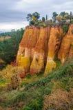 Ζωηρόχρωμοι βράχοι στη Roussillon, Προβηγκία, Γαλλία Στοκ Φωτογραφίες
