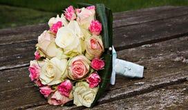 ζωηρόχρωμος γάμος ανθοδεσμών Στοκ Εικόνες
