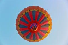 ζωηρόχρωμος καυτός μπαλονιών αέρα στοκ εικόνες με δικαίωμα ελεύθερης χρήσης
