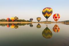 ζωηρόχρωμος καυτός μπαλονιών αέρα στοκ φωτογραφία