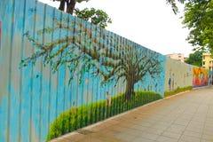 ζωηρόχρωμος καλυμμένος τοίχος οδών γκράφιτι τέχνης Στοκ Εικόνα