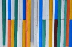 Ζωηρόχρωμος ξύλινος τοίχος. Στοκ Εικόνες
