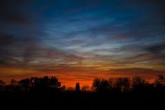 Ζωηρόχρωμος ουρανός βραδιού Στοκ εικόνες με δικαίωμα ελεύθερης χρήσης