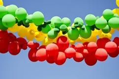 ζωηρόχρωμος ουρανός μπαλονιών ανασκόπησης Στοκ Φωτογραφίες