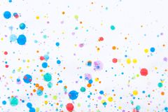 Ζωηρόχρωμος παφλασμός ζωγραφικής υδατοχρώματος Λεκές, θολωμένο σημείο Με το τ στοκ εικόνες με δικαίωμα ελεύθερης χρήσης