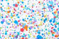 Ζωηρόχρωμος παφλασμός ζωγραφικής υδατοχρώματος Λεκές, θολωμένο σημείο Με το τ στοκ εικόνα
