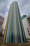 Ζωηρόχρωμος πύργος εξαερισμού στην υπεράσπιση Λα στο Παρίσι, Γαλλία Στοκ εικόνα με δικαίωμα ελεύθερης χρήσης