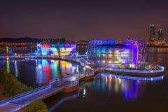 Ζωηρόχρωμος στον ποταμό στην αντανάκλαση ουρανού της Σεούλ koreaTwilight Στοκ Εικόνες