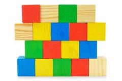 ζωηρόχρωμος τοίχος παιχνιδιών κύβων ξύλινος Στοκ φωτογραφία με δικαίωμα ελεύθερης χρήσης
