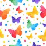 Ζωηρόχρωμο άνευ ραφής σχέδιο watercolor με τις χαριτωμένες πεταλούδες που απομονώνεται στο άσπρο υπόβαθρο EPS10 διανυσματική απεικόνιση