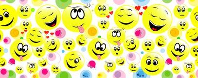 Ζωηρόχρωμο άνευ ραφής υπόβαθρο των αστείων προσώπων smiley Στοκ εικόνα με δικαίωμα ελεύθερης χρήσης