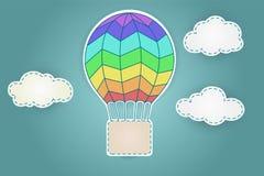 Ζωηρόχρωμο αερόστατο με τα σύννεφα Στοκ φωτογραφία με δικαίωμα ελεύθερης χρήσης