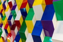 Ζωηρόχρωμο ακρυλικό σχέδιο δομών που δημιουργεί το αφηρημένο γεωμετρικό W Στοκ Εικόνα