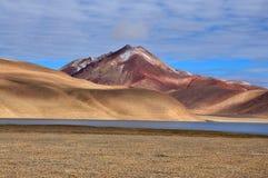 Ζωηρόχρωμο βουνό στοκ εικόνες με δικαίωμα ελεύθερης χρήσης