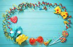 Ζωηρόχρωμο γενέθλια ή υπόβαθρο καρναβαλιού Στοκ Εικόνες