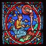 Ζωηρόχρωμο λεκιασμένο παράθυρο γυαλιού στον καθεδρικό ναό Παναγία των Παρισίων Στοκ εικόνα με δικαίωμα ελεύθερης χρήσης