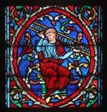 Ζωηρόχρωμο λεκιασμένο παράθυρο γυαλιού στον καθεδρικό ναό Παναγία των Παρισίων Στοκ φωτογραφίες με δικαίωμα ελεύθερης χρήσης
