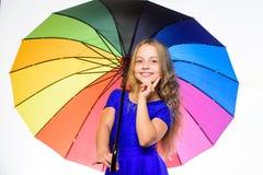 Ζωηρόχρωμο εξάρτημα για την εύθυμη διάθεση Θετική εποχή πτώσης παραμονής Το παιδί κοριτσιών έτοιμο συναντά τον καιρό πτώσης με ζω στοκ εικόνες