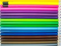 ζωηρόχρωμο λευκό μολυβιών ανασκόπησης Στοκ Φωτογραφία