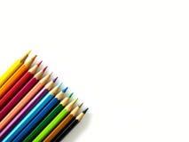 ζωηρόχρωμο λευκό μολυβιών ανασκόπησης Στοκ φωτογραφία με δικαίωμα ελεύθερης χρήσης