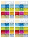 Ζωηρόχρωμο ημερολόγιο για τα έτη 2017, 2018, 2019 και 2020 απεικόνιση αποθεμάτων