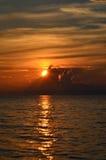 Ζωηρόχρωμο ηλιοβασίλεμα στη λίμνη Baikal Στοκ εικόνες με δικαίωμα ελεύθερης χρήσης