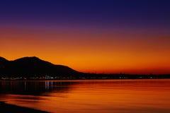 Ζωηρόχρωμο ηλιοβασίλεμα στο τροπικό νησί Στοκ φωτογραφίες με δικαίωμα ελεύθερης χρήσης