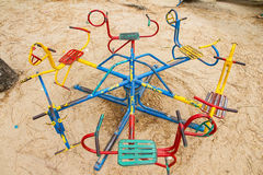 Ζωηρόχρωμο ιπποδρόμιο παιδιών στην παιδική χαρά τρισδιάστατα παιχνίδια απεικόνισης παιδιών Στοκ Φωτογραφία