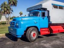 Ζωηρόχρωμο κουβανικό φορτηγό Στοκ φωτογραφία με δικαίωμα ελεύθερης χρήσης