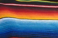 ζωηρόχρωμο μεξικάνικο poncho Στοκ φωτογραφία με δικαίωμα ελεύθερης χρήσης