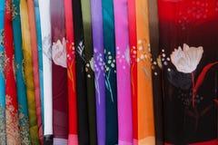 ζωηρόχρωμο μετάξι μαντίλι Στοκ Φωτογραφίες