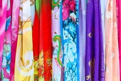 Ζωηρόχρωμο μετάξι στο κατάστημα που πωλείται στο Πεκίνο Κίνα Στοκ εικόνα με δικαίωμα ελεύθερης χρήσης