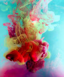 Ζωηρόχρωμο μελάνι στο νερό αφηρημένη ανασκόπηση Χρώμα καπνού Στοκ εικόνες με δικαίωμα ελεύθερης χρήσης