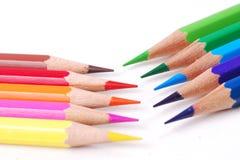 Ζωηρόχρωμο μολύβι στο υπόβαθρο απομονώσεων Στοκ Εικόνες