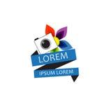 Ζωηρόχρωμο λογότυπο λουλουδιών και καμερών Στοκ εικόνες με δικαίωμα ελεύθερης χρήσης