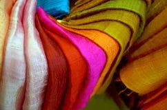 Ζωηρόχρωμο παραδοσιακό κλωστοϋφαντουργικό προϊόν Στοκ Φωτογραφίες