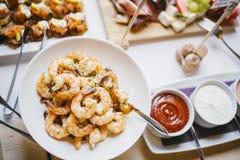Ζωηρόχρωμο πιάτο κλάδων γαρίδων Στοκ Φωτογραφίες