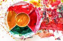 Ζωηρόχρωμο πιάτο σε χαρτί ζωγραφικής watercolor τέχνη του παιδιού Στοκ Εικόνα