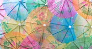 Ζωηρόχρωμο πλήρες πλαίσιο ομπρελών κοκτέιλ στοκ εικόνες με δικαίωμα ελεύθερης χρήσης