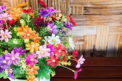 Ζωηρόχρωμο πλαστικό υπόβαθρο ανθοδεσμών λουλουδιών Στοκ εικόνες με δικαίωμα ελεύθερης χρήσης