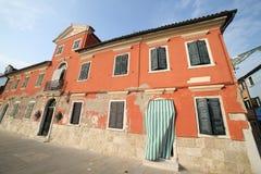 Ζωηρόχρωμο σπίτι στο νησί Burano κοντά στη Βενετία Στοκ Φωτογραφία
