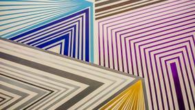 Ζωηρόχρωμο σχέδιο λαβυρίνθου του πορφυρού, μπλε χρυσού και του γκρι διανυσματική απεικόνιση