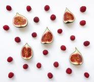Ζωηρόχρωμο σχέδιο των φρούτων και των σμέουρων σύκων Επίπεδος βάλτε, τοπ άποψη Στοκ Εικόνες